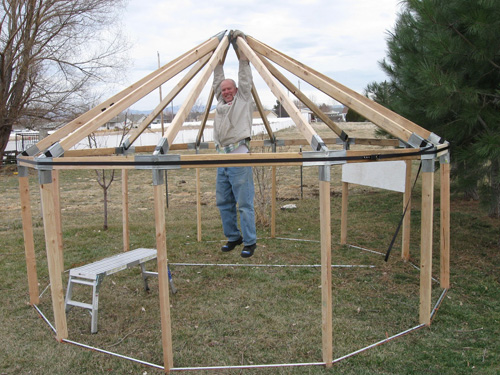 Hexayurt construction