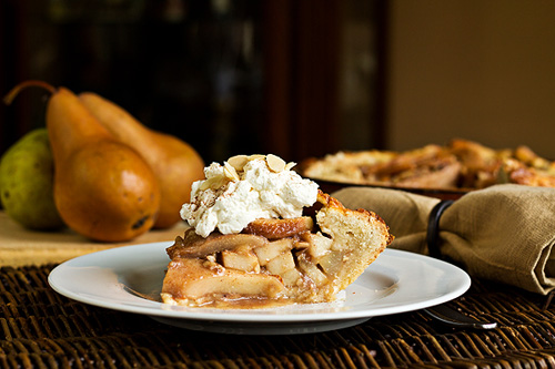 Rustic Spiced Pear Pie... mmmm!