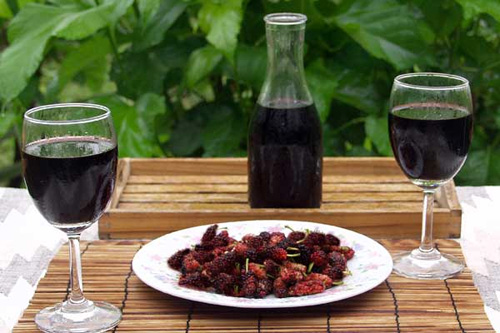 Mulberries can be used to make cordials and wines!